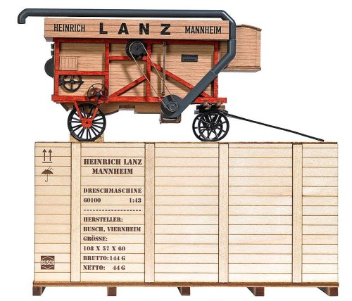 Mehr Details und Kaufen von 1:43 Dreschmaschine Typ Lanz mit attraktiver Holzkiste - Busch  - hochdetailliertes Fertigmodell aus Echtholz | günstig bestellen bei Weinert-Bauteile