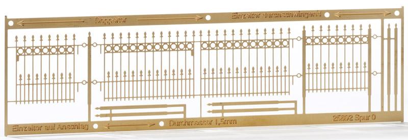 Spur 0 Schmiedeeisene Doppeltore und Pforte - Weinert 25692  - passend zu Zaun 25691 | günstig bestellen bei Weinert-Bauteile