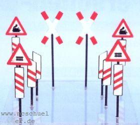 1:87 Bakensatz für beschrankte und unbeschrankte Bahnübergänge - Weinert 3375  | günstig bestellen bei Weinert-Bauteile